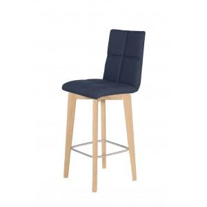 Chaise de bar scandinave en tissu bleu jean et pieds bois - LEO